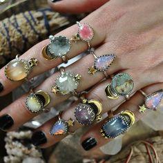 18 Super Ideas fails design purple and silver パープルネイルのアイデア Hippie Jewelry, Cute Jewelry, Jewelry Accessories, Jewlery, Jewelry Ads, Witch Jewelry, Cartier Jewelry, Unusual Jewelry, Jewelry Model