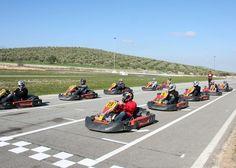 Race Game, pon adrenalina en tus viajes de incentivos, disfruta de una carrera de karts en un circuito o aprende a fabricarlos... en tu race game!