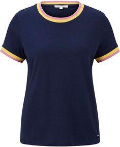Passt gut  TOM TAILOR Denim Die Young-Fashion Marke der Dachmarke TOM TAILOR wurde 2007 gelauncht. Im Kern bedient die Marke mit ihren trendigen und modischen Kollektionen junge Erwachsene. Coole, lässige, komfortable Looks und authentische Styles stehen im Vordergrund der Marke. Trends werden schnell und gezielt umgesetzt ohne dabei auf eine hohe Qualität der Produkte zu verzichten. Regelmäßig neue Styles, die begeistern. Von T-Shirts, Pullovern, Sweatshirts über Jacken, Blusen oder Hemden… Jersey Shirt, Toms, Denim T Shirt, Tom Tailor Denim, Pullover, Trends, Young Fashion, Mens Tops, Sweatshirts