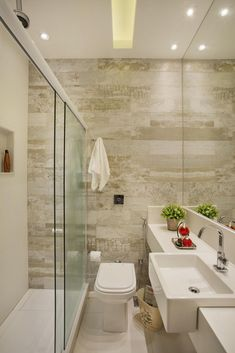 Um bom planejamento é necessário em banheiros pequenos                                                                                                                                                                                 Mais