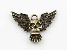 Skull with Wings Pendant, Skull Charm, Halloween Supplies, 25x35mm, Pkg of 6PCS, C07P.AN09.P06
