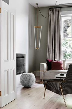An Old Victorian In East Melbourne Has Been Transformed With An Elegant And  Sophisticated Design From