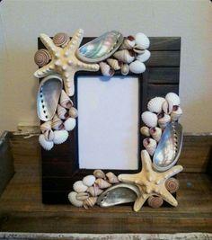 Beach Decor Seashell Picture Frame - Shell Picture Frame - Shell Frame - Seashell Frame - Coastal Home Decor Seashell Picture Frames, Seashell Frame, Seashell Art, Seashell Crafts, Beach Crafts, Diy And Crafts, Seashell Projects, Shell Decorations, Creation Deco