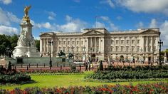 Buckingham Palace is the official London residence and administrative headquarters of the reigning monarch of the United Kingdom. Buckingham Palace is Kensington Palace Gardens, Indian Palace, Buckingham Palace London, Royal Residence, Le Palais, Expensive Houses, Pretoria, Royal Palace, Palace Uk