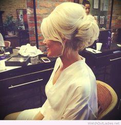 Wonderful bridal updo on blonde hair