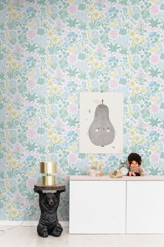 Kids room inspo with floral wallpaper - wallpaper Lisa - Sandberg Wallpaper Luxury Wallpaper, Wallpaper Size, Contemporary Wallpaper, Geometric Wallpaper, Flower Wallpaper, Wall Wallpaper, Designer Wallpaper, Pattern Wallpaper, Woodland Animal Nursery