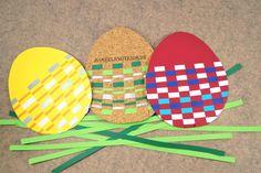 Ostereier aus Papierstreifen basteln mit kostenloser Malvorlage. Eine schnelle und einfache Bastelidee für Kindergartenkinder und Schulkinder.