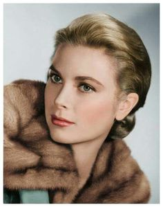 Grace Kelly's Most Glamorous Photos - Vintage Grace Kelly Pictures Hollywood Icons, Old Hollywood Glamour, Golden Age Of Hollywood, Hollywood Stars, Classic Hollywood, Divas, Princesa Grace Kelly, Patricia Kelly, Grace Kelly Style