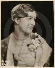Edwina Prue, patou model - Google Search Statue, Model, Google Search, Scale Model, Models, Template, Sculptures, Pattern