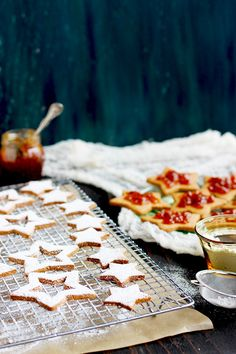 ... Pinterest | Linzer cookies, Gingerbread cookies and Christmas cookies