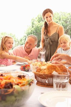 Celebrate National Picnic Month with some delicious summer meals!
