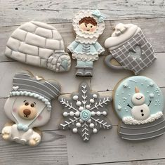 Silver & Aqua Eskimo, Igloo, Snow Globe, Snowflake, Hot Cocoa Mug and Bear Winter Themed Cookies Fancy Cookies, Iced Cookies, Cute Cookies, Royal Icing Cookies, Cookie Icing, Cupcake Cookies, Snow Cookies, Christmas Snow Globes, Noel Christmas