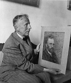 """Vincent van Gogh's nephew, Vincent Willem van Gogh, (1890-1978) holds one of his uncle's self-portraits."" http://www.geni.com/people/Vincent-Willem-van-Gogh/6000000009786706806"