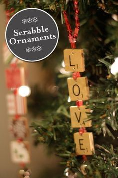 Scrabble Ornaments - 15 Easy And Festive DIY Christmas Ornaments. Now if I could just find an unwanted Scrabble Game. Noel Christmas, Homemade Christmas, All Things Christmas, Winter Christmas, Rustic Christmas, Christmas Greetings, Scrabble Ornaments, Diy Christmas Ornaments, Christmas Decorations
