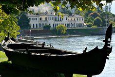 Villa Melzi d'Eril and gondola, Bellagio on Lake Como, Lombardy, Italy