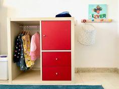 DIY IKEA Montessori closet - Montessori - La Tela di Carlotta As so many of you asked, this is a very brief tutorial to create a DIY Montessori closet using IKEA's Kallax shelves. It's very brief, because it takes literally half… Read Ikea Montessori, Montessori Toddler Rooms, Montessori Bedroom, Kallax Shelf, Couch Design, Parents Room, Kid Closet, Kids Bedroom, Ikea Kallax Nursery