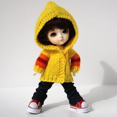 Love the colours! So cheerful. Tiny Dolls, Bjd Dolls, Plush Dolls, Cute Baby Dolls, Cute Babies, Cute Small Girl, Kawaii Doll, Cute Cartoon Girl, Yellow Hoodie