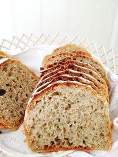 Eltefritt langtidshevet brød uten gryte Danish Food, No Knead Bread, Bread Recipes, Banana Bread, Food Photography, Sandwiches, Food And Drink, Snacks, Baking