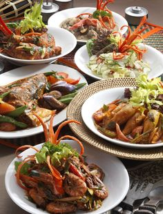 Enjoy a great range of Malay cuisine.