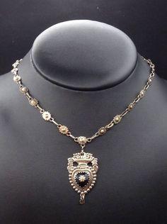 Rare ancien collier regional en argent massif vermeil et jais pendentif  coeur. eBay ee421e5b95b