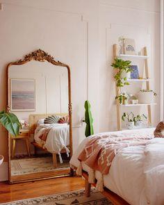 Modern Bohemian Bedroom Decor Ideas - Bohemian Home Bedroom Bohemian Bedroom Decor, Boho Living Room, Home Decor Bedroom, Bedroom Wall, Bed Room, Big Mirror In Bedroom, Master Bedroom, Modern Bohemian Bedrooms, Earthy Bedroom