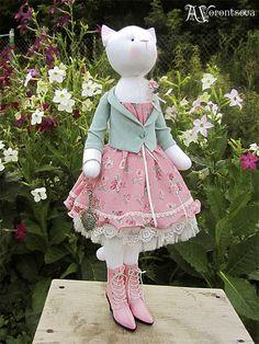 """Куклы Тильды ручной работы. Ярмарка Мастеров - ручная работа. Купить Кошка """"В зеркальном отражении..."""". Handmade. Розовый"""