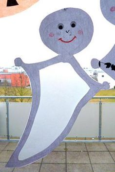 Duch z toaletného papiera role - Halloween remeslá - môj vnuk a I - vyrobený s schwedesign.de