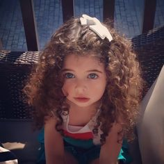 Beautiful Little Girls, Cute Little Baby, Cute Baby Girl, Beautiful Children, Beautiful Babies, Curly Hair Baby, Curly Girl, Little Girl Curly Hair, Girl Hair Bows
