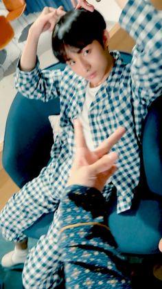 Nct Winwin, He Makes Me Smile, King Of Hearts, Jung Woo, Ji Sung, Foto Bts, Boyfriend Material, Taeyong, Nct Dream