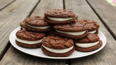 As with all of my keto cookie recipes the ketorio cookies are enormous fun to bake in your kitchen. Grab yourself the Oreo styled ketoreo cookie RECIPE. Homemade Oreo Cookies, Oreo Cookie Recipes, Cake Mix Recipes, Keto Cookies, Pie Recipes, Low Carb Recipes, Oreo Cookie Cake, Recipies, Oreo Desserts