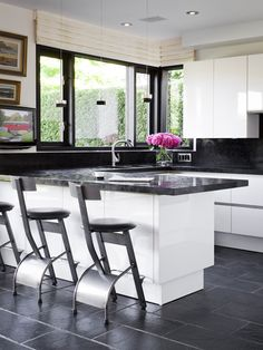 Kitchen Peninsula Design, Pictures, Remodel, Decor and Ideas - page 5
