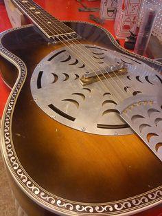 C. Catania mod. 20 1953 resonator guitar | FetishGuitars Billy Cobham, Lap Steel Guitar, Resonator Guitar, Frying Pans, Bass Amps, Cigar Box Guitar, Guitar Shop, Banjos, Catania