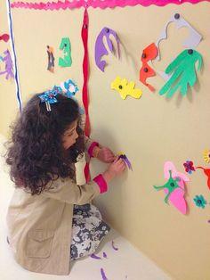 Twee Matisse kunstprojecten voor kinderen -Matisse for Kids - two art projects for children inspired by Matisse's cutting paper method- Buggy and Buddy Henri Matisse, Matisse Art, Cool Art Projects, Projects For Kids, Kids Crafts, Matisse Cutouts, Cut Out Art, Montessori Art, Kids Inspire