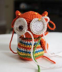 Amigurumi Baby Owl Free Pattern - Amigurumi X Owl Crochet Patterns, Crochet Owls, Crochet Diy, Owl Patterns, Crochet Animals, Crochet Classes, Crochet Projects, Arm Crocheting, Crochet Converse