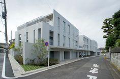 長谷川逸子による共同住宅「NISHIMAGOME TERRACE COURT」