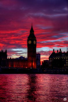 Reddest sunset in Big Ben - The Elizabeth Tower, London #travel #destination #honeymoon