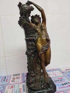 After Albert-Ernest Carrier-Belleuse (1824-1887) - Bacchante en bronce con base en mármol - France - c. 1900 - Catawiki