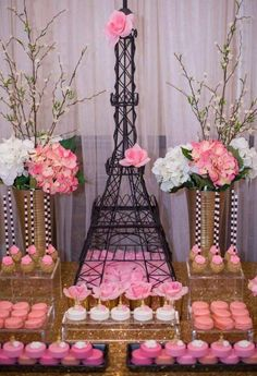 pink desserts at a Paris bridal shower party! See more party planning ideas at !Amazing pink desserts at a Paris bridal shower party! See more party planning ideas at ! Paris Bridal Shower, Paris Baby Shower, Bridal Shower Party, Bridal Showers, Rosa Desserts, Pink Desserts, Paris Desserts, Paris Themed Birthday Party, Paris Theme Parties