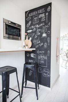Buy kitchen chalkboard wall ideas at reasonable price Cafe Interior, Home Interior Design, Nordic Interior, Classic Interior, Interior Styling, Interior Pastel, Chalkboard Wall Kitchen, Chalk Board Kitchen Wall, Chalkboard Walls