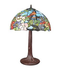 Big lamp style Tiffany with a colorful stained glass window for a light in the spirit of the times. Louis Comfort Tiffany, Applique Art Deco, Tiffany Art, Art Deco Lighting, Art Nouveau, Table Lamps, Fine Art, Awesome, Top