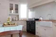 Monticello Kitchen by Homewood Bespoke: la classica cucina in stile ...