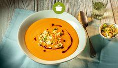 #Kürbis-#Erdnuss-Suppe mit #Orangen-Feta-Topping Yummy Recipes, Yummy Food, Lunch Ideas, Thai Red Curry, Feta, Soups, Ethnic Recipes, Kochen, Brussels Sprouts