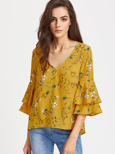 Shop Layered Trumpet Sleeve Keyhole Tie Back Botanical Top online. SheIn offers Layered Trumpet Sleeve Keyhole Tie Back Botanical Top & more to fit your fashionable needs. Tiered Tops, Mode Hijab, How To Roll Sleeves, Floral Blouse, Types Of Sleeves, Blouse Designs, Chiffon Tops, Print Chiffon, Blouses For Women