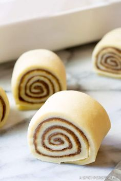 Better Than Cinnabon Cinnamon Rolls: The BEST Cinnamon Rolls Recipe EVER! Layers of sweet roll, packed with cinnamon, slathered with creamy Cinnabon Cinnamon Rolls, Best Cinnamon Rolls, Best Brunch Recipes, Favorite Recipes, Breakfast Recipes, Cake Recipes, Dessert Recipes, Bread Recipes, Delicious Desserts