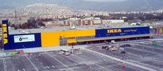 Başarı tesadüf değildir çok klişe bir sözcük ama klişe olması gerçek olduğunu değiştirmez. Neden mi bunları yazıyorum! IKEA'yı ve pazarlama sürecini incelediğimizde her ayrıntının çok iyi çalışıldığı ve mükemmelleştirildiğini görebiliriz. IKEA'nın Türkiye'de henüz dört mağazası var ama dünya genelinde kırkın üstünde ülkede yine üç yüzün üzerinde mağaza ile on bin çeşit ürün pazarlıyor. Geçen yıl altı yüz milyon kez ziyaret edilmiş. Yani ortalama bir mağaza yılda iki milyon kez ziyaret…