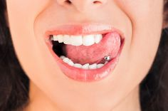 Piercing langue vertical - Tongue piercing