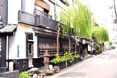 """Sukeroku no Yado SADACHIYO is a ryokan in Asakusa that was built in order to let the visitors from all over the world witness the """"real Japan"""". What sets this ryokan apart from other Japanese-style facilities is their long tradition over the years."""