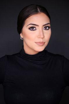 Vanessa Vasconcelos Yara Prado – www.yaraprado.com.br  Makeup Artist & Hair. Aibrush Makeup. Cursos de Maquiagem Profissional, Automaquiagem e Produções.  Snap: yarapradomakeup / Whatsapp 61 8466.5667 / Instagram @yarapradomakeup