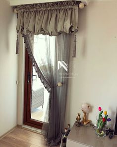 Transom Window Treatments, Nursery Window Treatments, Transom Windows, Blinds For Windows, Curtains With Blinds, Window Coverings, Curtain Styles, Curtain Designs, Rideaux Du Bow Window