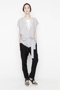 August vest by Jarret · Grey Comma